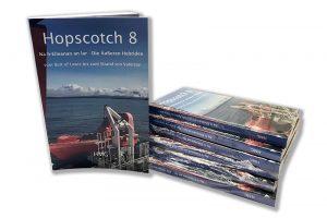 """Buchstapel """"Hopscotch 8"""""""