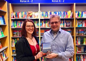"""""""Hopscotch 8"""" gibt es auch in der Reiseabteilung von Bücher Pustet in Ansbach im Brückencenter"""