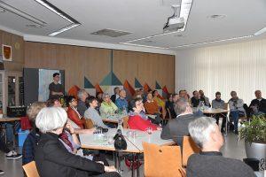 """gut besuchte Autorenlesung zu """"Hopscotch 8"""" im Bezirksamt von Stuttgart-Weilimdorf"""