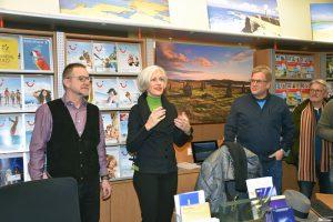 Eckhardt Binder, Bezirksvorsteherin Ulrike Zich und Hans-Martin Goede bei der Begrüßung der Gäste